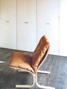 建築と椅子 その2