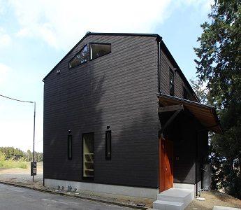 琵琶湖を望む家(デッキテラスのあるローコスト住宅) 完成です。